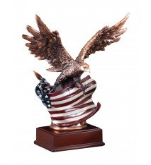 RESIN EAGLE W/FLAG SMALL